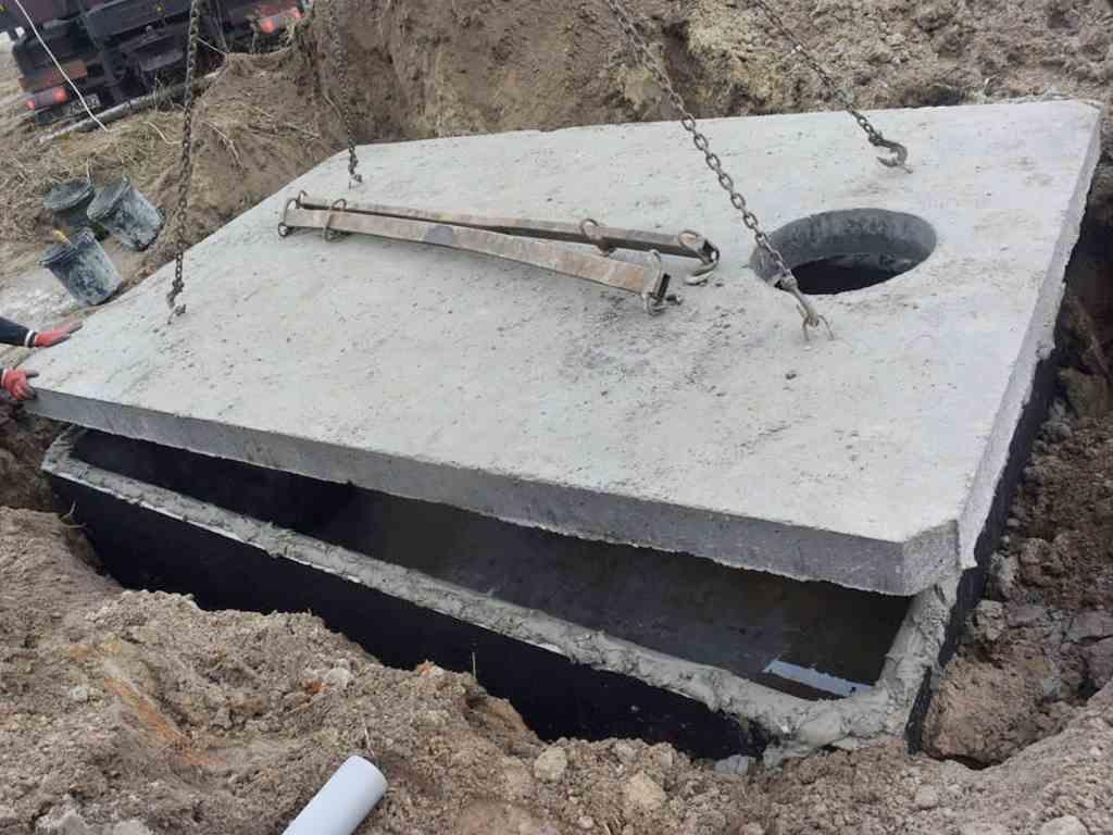 Osadenie dosky betónové nádrže